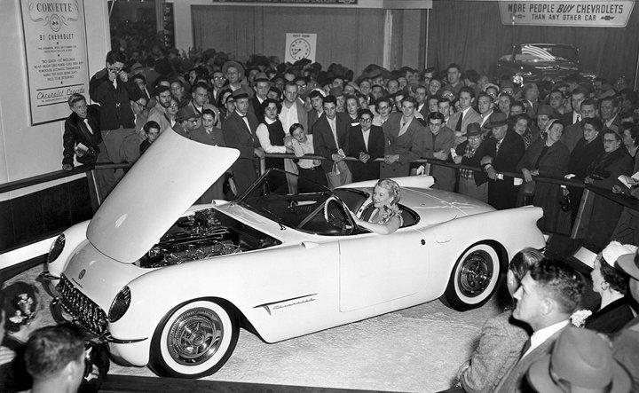 1953MotoramaCorvette